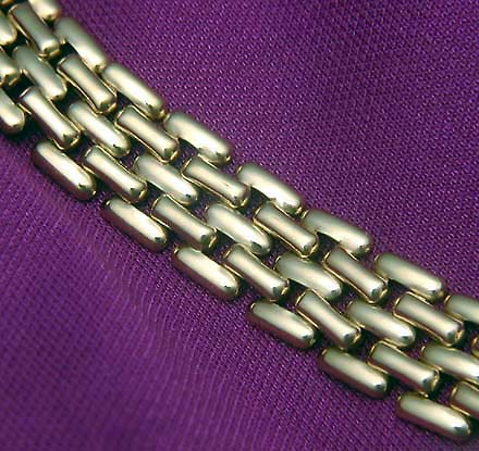Gold Necklace - shine without glare